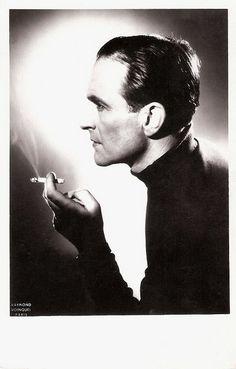 Pierre Laudenbach, dit Pierre Fresnay, est un acteur français, né le 4 avril 1897 à Paris 5ᵉ et mort le 9 janvier 1975 à l'hôpital américain de Paris, à Neuilly-sur-Seine.