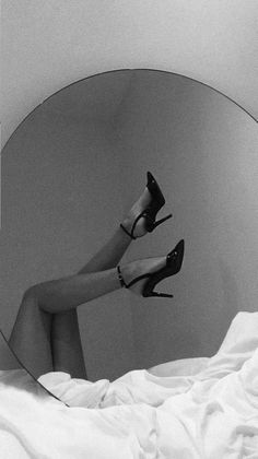 Black And White Picture Wall, Black And White Theme, Black And White Aesthetic, Black N White, Black And White Pictures, Boujee Aesthetic, Bad Girl Aesthetic, Aesthetic Photo, Aesthetic Pictures