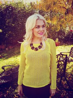 Neon Sweater fashion! www.theperfectlittlelife.com  #fashion #myfashion #sweater #style #ootd