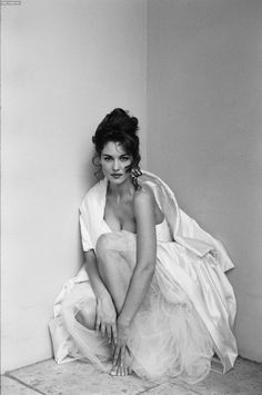 iwanttoseemymountains:    I like Monica Bellucci.