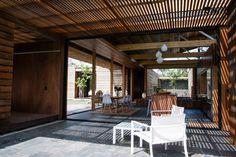 Blending Interior & Exterior -  Herbst Architects - Bramasole