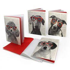 Σημειωματάρια 12 x 17 σχεδιασμένα για όσους αγαπούν τα σκυλιά και θέλουν να τα σκέφτονται ως καλά, ευγενικά και - ιδιαίτερα - έξυπνα πλάσματα. Περιέχουν 64 σελίδες λευκό ανακυκλωμένο χαρτί.