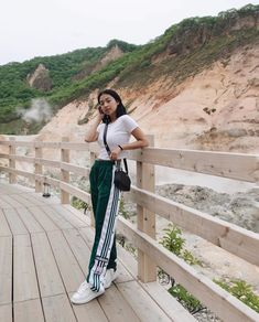 Baguio Outfit, Uzzlang Girl, Teenager Outfits, Cute Photos, Face And Body, Style Icons, Trendy Outfits, Dress Up, Ootd