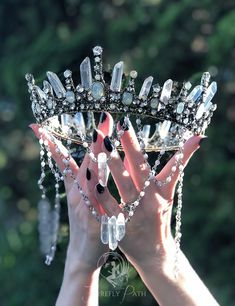 Crystal Jewelry For The Body Cute Jewelry, Hair Jewelry, Jewelry Accessories, Witch Jewelry, Jewelry Art, Mermaid Crown, Princess Aesthetic, Crown Aesthetic, Magical Jewelry