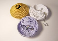 Crochet Jewelry Dish Set of 3. Crochet Jewelry von goolgool auf Etsy
