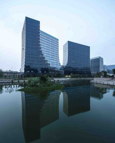 Gallery of Hangzhou New World Business Center 'E' Block / The Architectural Design & Research Institute of Zhejiang University - 1