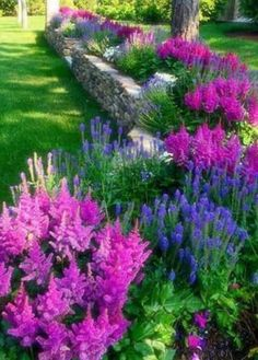 47 Captivating Backyard Garden Landscaping Ideas On A Budget -  Garden landscaping is a great way to update a backyard. Garden landscaping is becoming a popular way to get the most out of gardens--visually a. Front Yard Landscaping Plans, Beautiful Gardens, Landscape Design, Yard Landscaping, Farmhouse Garden, Landscape Plans, Cottage Garden, Plants, Front Yard Garden