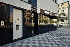 90 minut ve spa a fitness Hotelu Royal Prague Samos, Prague, Studios, Garage Doors, Fitness, Outdoor Decor, Home Decor, Dinner, Decoration Home