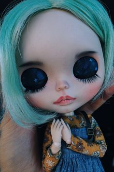Close Your Eyes, Big Eyes, Blythe Dolls For Sale, Philtrum, More Pictures, Bjd, Eyelashes, Halloween Face Makeup, Carving