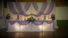 Hinter Wand Reception Table Layout, Wedding Reception Backdrop, Wedding Wall, Wedding Stage, Banquet Tables, Backdrop Decorations, Wedding Reception Decorations, Wedding Centerpieces, Rideaux Design