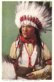 """Powhatan: The English permitted Pocahontas to talk to her countrymen. Pocahontas reportedly rebuked her father for valuing her """"less than old swords, pieces, or axes,"""" and told the Powhatan she preferred to live with the English. Apache Indian, Native Indian, Powhatan Indians, Native American Tribes, Native Americans, Woodland Indians, Pueblo Indians, Trail Of Tears, Indian Pictures"""