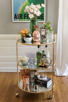 Mini Bar for Living Room . Mini Bar for Living Room . 15 Stylish Small Home Bar Ideas Mini Bars, Bar Redondo, Bar Sala, Decoration Hall, Kitchen Decorations, Living Room Bar, Home Bar Decor, Gold Bar Cart, Bar Cart Styling