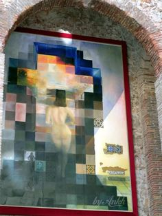☼ Salvador Dalí  Museum- it is painting of Gala that changes to Abrahan Lincoln .... it has no words do describe...  simply  awesome !!!