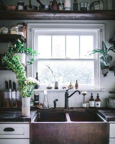 "4,656 Likes, 74 Comments - Eva Kosmas Flores (@evakosmasflores) on Instagram: ""Came home to spring in Oregon (and also my kitchen!) My dear friend @sasha.swerdloff dropped off…"""