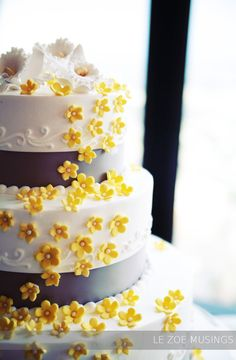 wedding cake/ yellow and gray...just need to add a little orange.