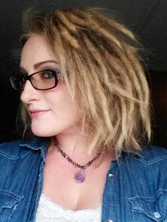 Short Dreadlocks- 8 Months Dreads Short Hair, Dreadlocks Girl, Dreadlock Hairstyles, Cool Hairstyles, Hair Dos, My Hair, Twists, Short Dread Styles, White Girl Dreads