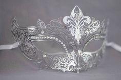 Plata / gris láser corte máscara de la mascarada de metal perfecto para bodas de mascarada, mascarada máscara de bolas para la fiesta de año nuevo