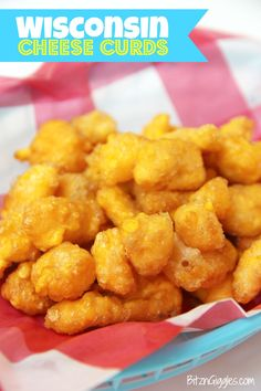 Wisconsin Cheese Curds Fresh squeaky cheese curds dipped into a beer batter and deep fried to perfection. A delicious Wisconsin tradition! - Deep Fryer - Ideas of Deep Fryer Easy Appetizer Recipes, Snack Recipes, Appetizers, Cooking Recipes, Cooking Food, Side Recipes, Pork Recipes, Yummy Recipes, Cooking Tips