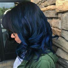 dark blue and black hair