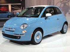 Hoy lo encontramos más renovado que nunca. Debuta en el Salón de Los Angeles el 2014 Fiat 500 '1957 Edition'. ¿Qué te parece? #MásQuePasión