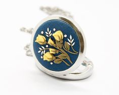 Mother Day Gifts, Gifts For Mom, Unique Gifts, Best Gifts, Floral Necklace, Mom Birthday Gift, Stainless Steel Chain, Brass Chain, Locket Necklace