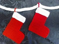 How to crochet My Easy Magic Christmas Stocking and Bunting Chain for beginners P1 - YouTube