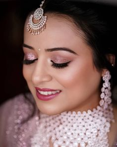 Bride Eye Makeup, Indian Eye Makeup, Wedding Eye Makeup, Indian Wedding Makeup, Wedding Makeup For Brown Eyes, Glitter Eye Makeup, Day Eye Makeup, Eye Makeup Steps, Party Makeup