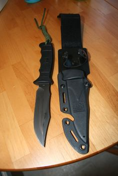 "A SOG ""Seal Pup Elite."""