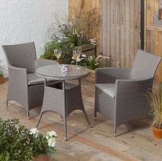 San Marino rattan garden bistro set from Tesco Direct - perfect for the contemporary home and will withstand all weather.