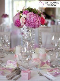 hortensje, róże, kryształki, świece, winietki, kokardki, dekoracje ślubne, dekoracja sali weselnej, hydrangeas, roses, crystals, candles, vignettes, bow, wedding decoration, wedding hall