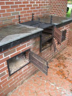 Barbecue Master: Old Home Place - Built in Barbecue on Back Porch with Chimney Outdoor Oven, Outdoor Cooking, Brick Bbq, Barbecue Pit, Diy Grill, Smoke Grill, Built In Grill, Grill Design, Outdoor Kitchen Design