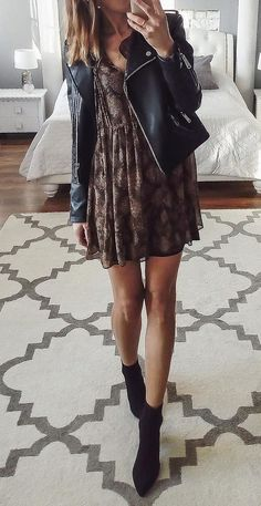 Over 30 perfect spring outfits to copy as quickly as possible . - Over 30 perfect spring outfits to copy as quickly as possible … Source by - Mode Outfits, Fall Outfits, Casual Outfits, Fashion Outfits, Womens Fashion, Black Summer Outfits, Dress Casual, Halloween Outfits, School Outfits