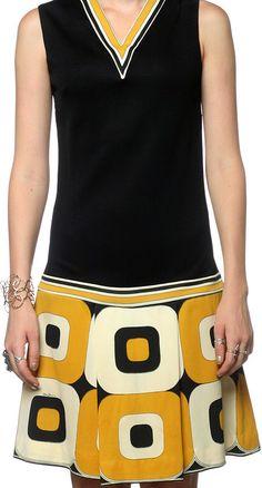 Robe motif geometrique noir et blanc