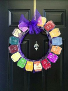 Use your empty Scentsy wax containers or use full containers for a gift wreath -prayersforriley.scentsy.us