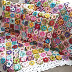 bi #tbt de benden gelsin hayırlı akşamlar  . . #crochetlove #crochet #crochetblanket #granny #battaniye #koltuksali