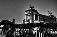 Altare della Patria (Monumento Nazionale a Vittorio Emanuele II) Roma 7 Marzo 2011  Headed back here in 2017!!! . . . . #roma #rome #italia #italy #europe #monument #travel #traveler #traveling #ricksteves #ricksteveseurope #wanderlust #romeitaly #wanderlust #blackandwhite #countingblessings #grateful #awesome #picoftheday #travelblog #dustysolesblog #instarome #seetheworld #beautifulworld