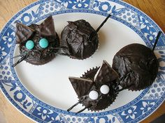 20081016-mamster-cupcakes.jpg