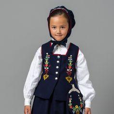 Child's bunad of Lofoten