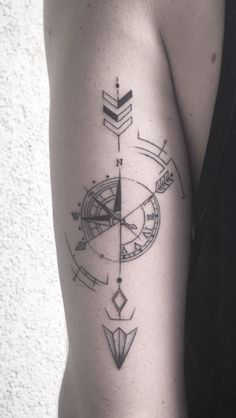 Arrow tattoo, arrow compass tattoo, compass tattoo meaning, small compass t Body Art Tattoos, New Tattoos, Sleeve Tattoos, Cool Tattoos, Tatoos, Trendy Tattoos, Small Tattoos, Tattoos For Women, Tattoos For Guys