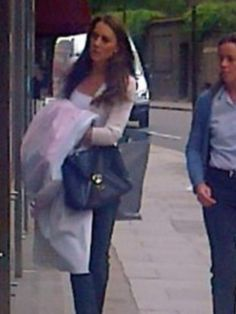 Kate spotted in London Aug 18th.