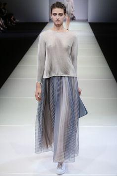 Giorgio Armani Spring/Summer 2015 ready-to-wear #MFW #Milan #FashionWeek