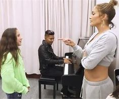 See the moment Jennifer Lopez daughter Emme's singing blows everyone away! You may be shocked at what come out of her vocal chords! Getting Over Her, Music Genius, Easy Workouts, Cellulite, Immune System, Back Pain, Jennifer Lopez, Beauty Skin, Daughter