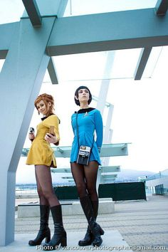 Star Trek TOS Group Cosplay - COSPLAY IS BAEEE! Tap the pin now to grab yourself some BAE Cosplay leggings and shirts! From super hero fitness leggings, super hero fitness shirts, and so much more that wil make you say YASSS! Last Minute Halloween Costumes, Halloween Cosplay, Cool Costumes, Cosplay Costumes, Costume Ideas, Star Trek Costumes, Star Trek Halloween Costume, Uhura Costume, Female Costumes