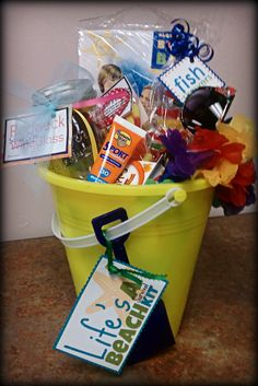 Life's a Beach Summertime DIY Gift! Life's A Beach-Survival Kit: Beach Ball, Sunscreen, Sunglasses, Candy, Goldf Vacation Gift Basket, Summer Gift Baskets, Diy Gift Baskets, Raffle Baskets, Easter Baskets, Holiday Baskets, Wine Baskets, Summer Gifts, Theme Baskets