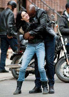 Luke Cage alias Mike Colter & Jessica Jones alias Krysten Ritter in Marvel / Netflix Aka Jessica Jones