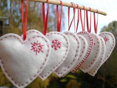 Felt hearts with embroidery Christmas tree decorations - white & red