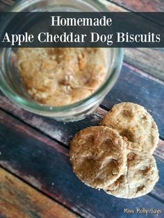 I love me some apples and what dog in his right mind don't like cheddar cheese?! Check out these Apple Cheddar Dog Biscuits!