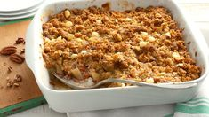 Easy Apple Crisp ~ Apple crisp comes together easily with this packaged oat bar mix. Make it a complete dessert by adding a scoop of vanilla ice cream or a dollop of whipped cream. Best Apple Desserts, Apple Recipes, Just Desserts, Fall Recipes, Dessert Recipes, Sweet Recipes, Apple Deserts, Fruit Recipes, Recipes Dinner