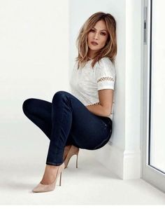 jennifer lopez best outfits - Page 39 of 101 - Celebrity Style and Fashion Trends Jennifer Lopez Ropa, Jennifer Lopez Outfits, Jennifer Lopez Photos, Jennifer Lopez Hairstyles, Jennifer Lopez Short Hair, Jennifer Lopez Hair Color, Jennifer Lopez Makeup, Jennifer Lopez Jeans, J Lo Fashion