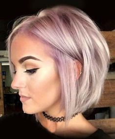 Cool 51 Cute Short Hairstyles Ideas For Women. More at http://trendwear4you.com/2018/03/16/51-cute-short-hairstyles-ideas-for-women/